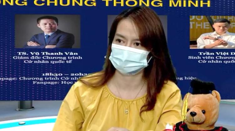 TS Ngô Bích Ngọc, giảng viên Khoa Phát thanh - Truyền hình trao đổi tại buổi Tọa đàm