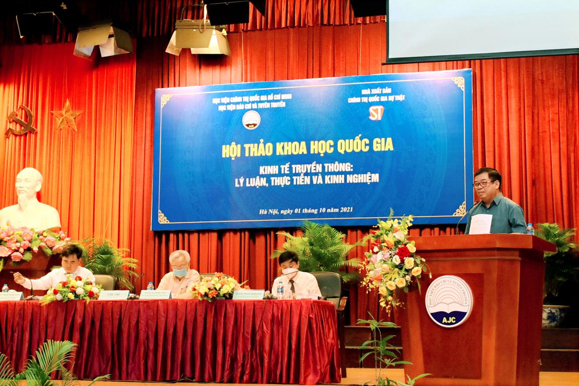 PGS, TS Nguyễn Viết Thảo, Viện Lãnh đạo và Chính sách công, Học viện Chính trị Quốc gia Hồ Chí Minh tham luận Kinh tế học truyền  thông, bối cảnh ra đời và vấn đề hiện nay